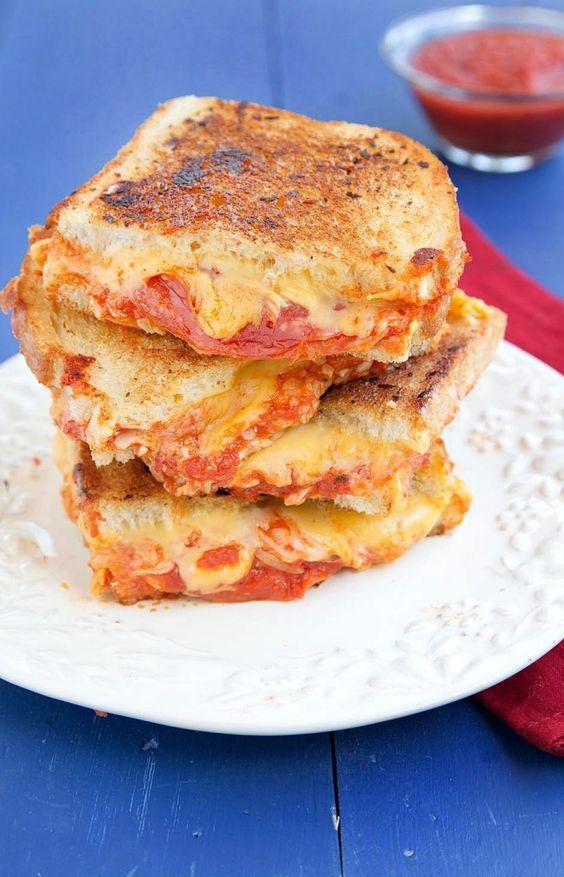 grilled-cheese-with-pepperoni