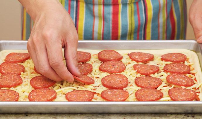 italian-pepperoni-pizza-step10