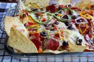 pepperoni-pizza-supreme-nachos