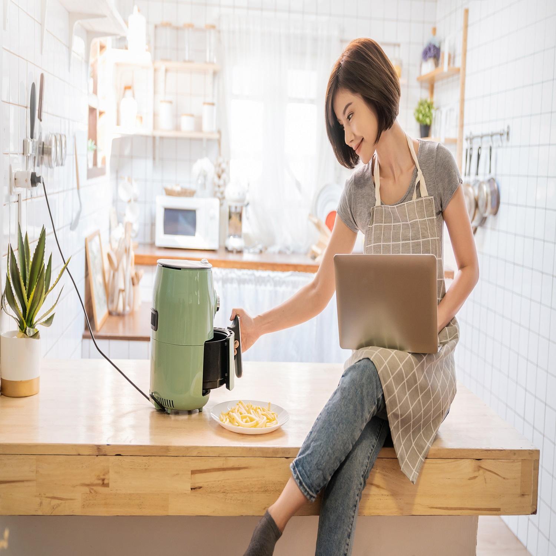 reading-air-fryer-cookbook-when-using-the-air-fryer