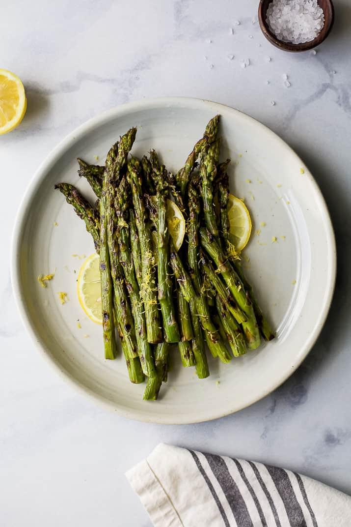 Grilled asparagus with some lemon zest