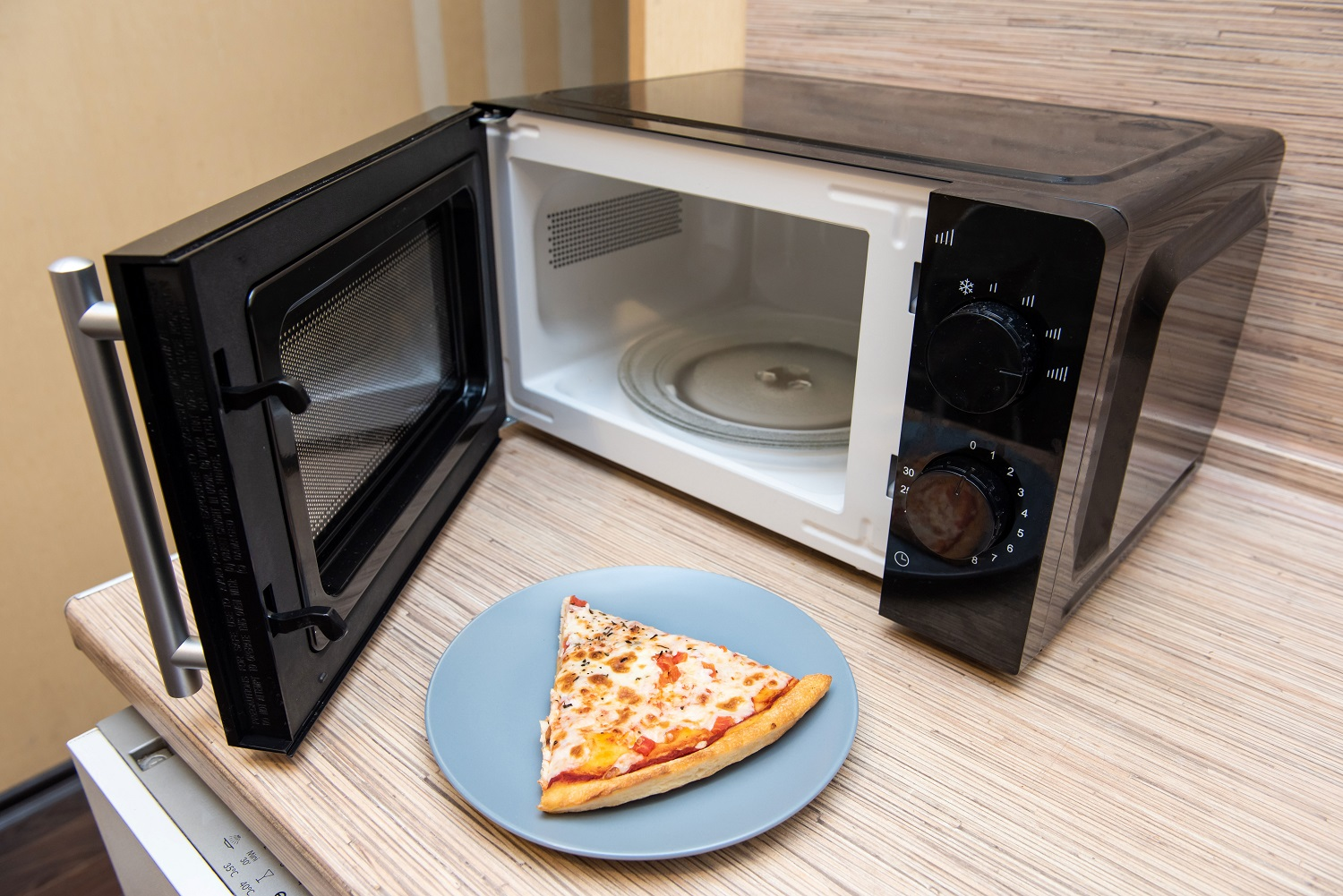 microwave-with-pizza-oven