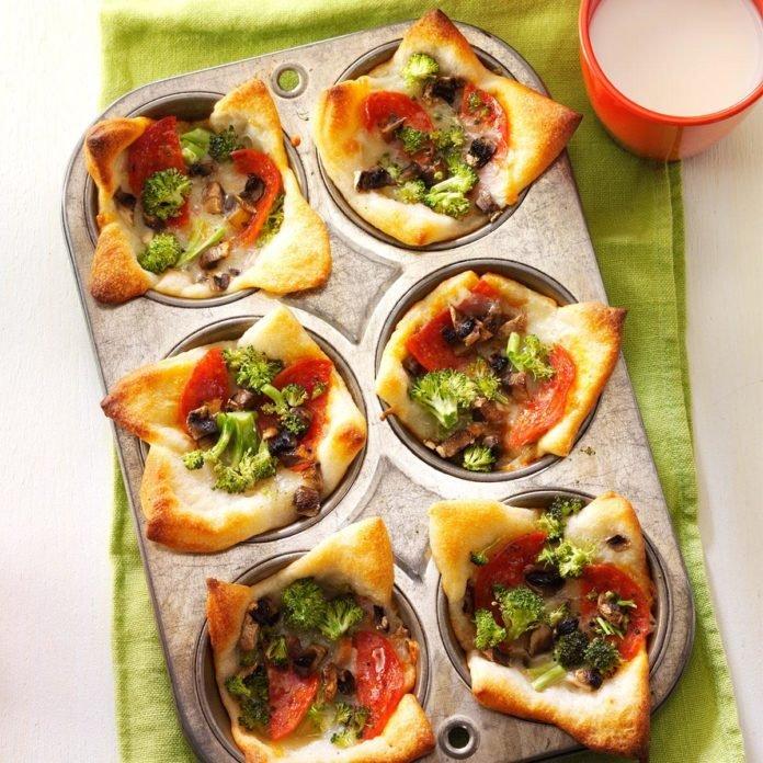 Muffin tin pizza