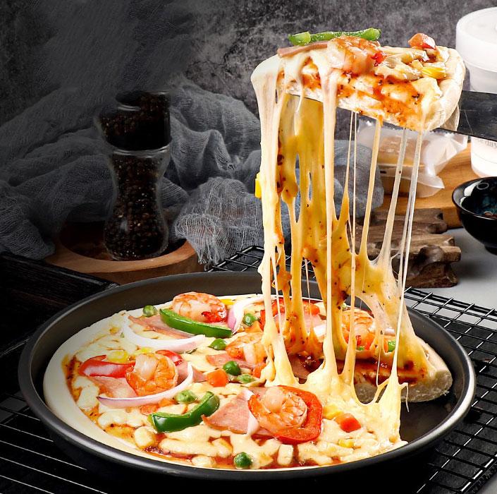 pizza with Mozzarella cheese
