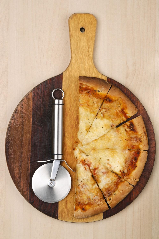 best-pizza-cutting-board
