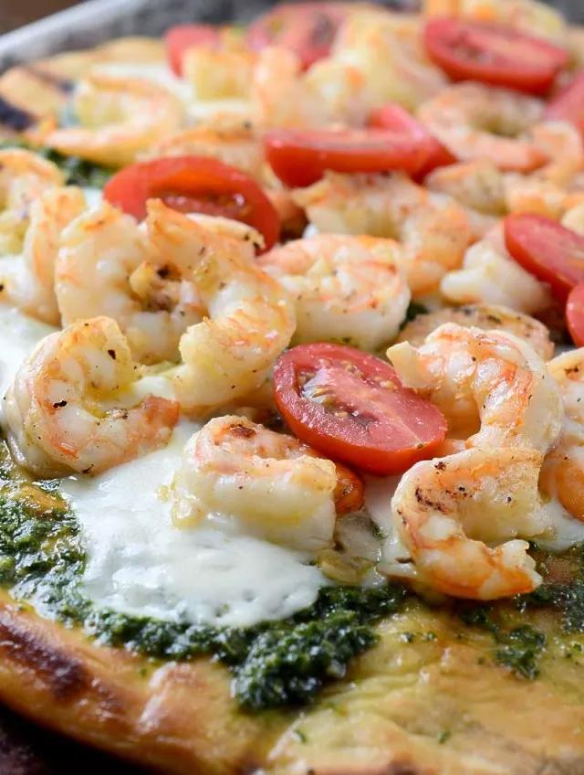 Grilled shrimp pesto pizza