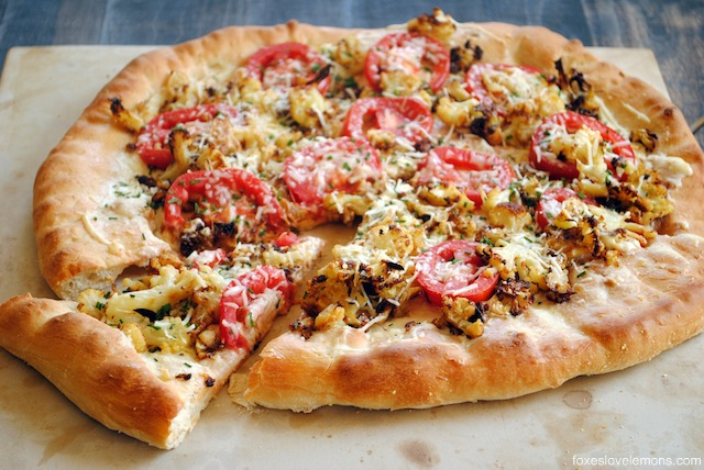 Roasted cauliflower and garlic pizza