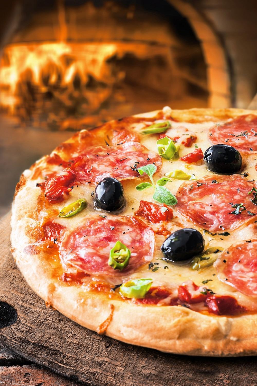 salami-on-pizza