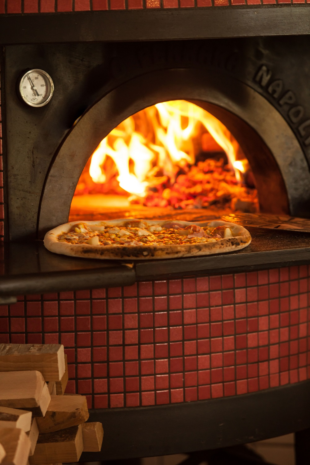 wood-pizza-oven