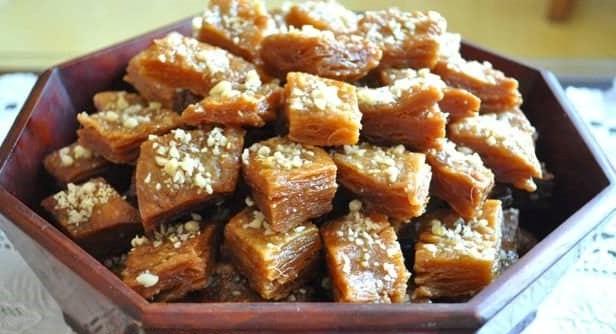 Fried honey cake